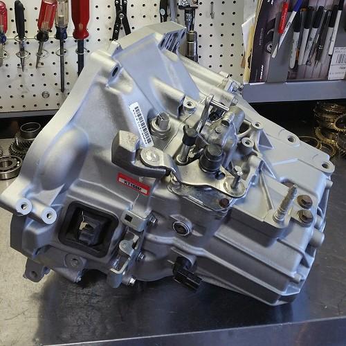 Honda Civic 8th Gen SI K-Series Manual Transmission OEM K20Z3